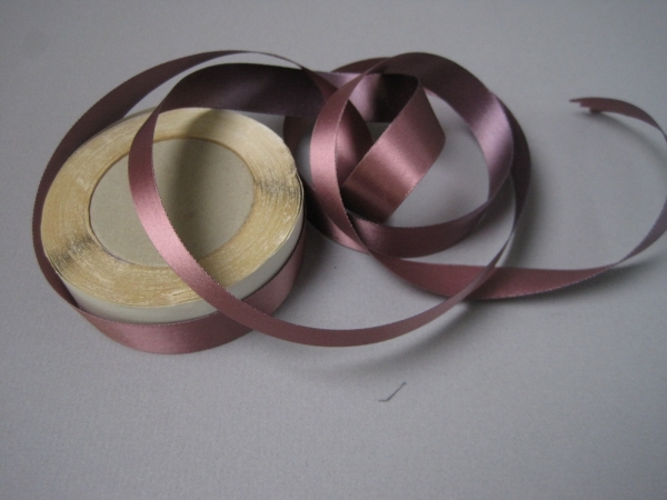 iridescent ribbon
