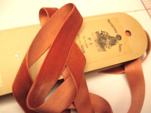 antique velvet ribbon