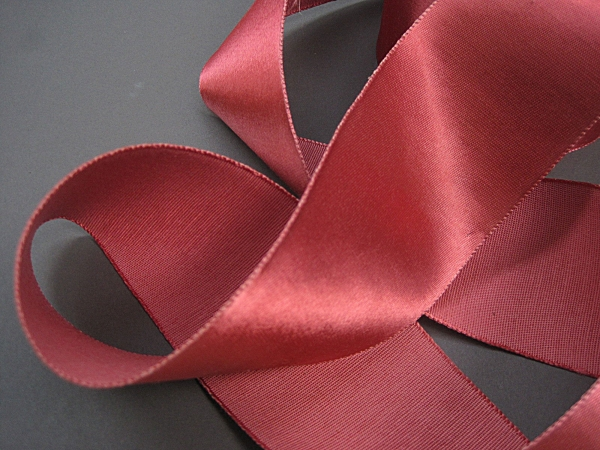 Wide rose ribbon