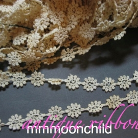 Antique lace flower applique