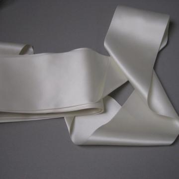 Creamy white wide bridal ribbon vintage 60s sash 4 inch width