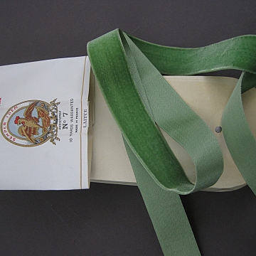 20s Vintage silk back velvet ribbon France No. 7 size 1 inch wide Pale Green Laitue